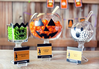 Spooktacular Halloween Party Decor For Kids :: YummyMummyClub.ca