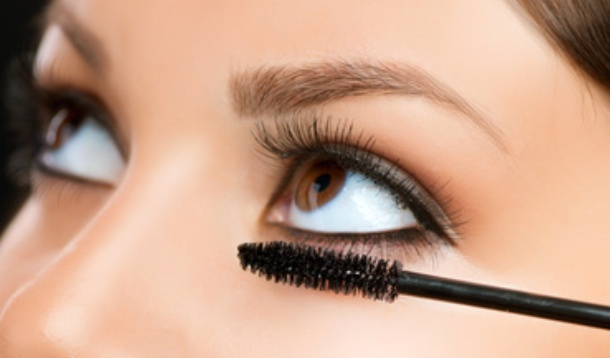 Extend-a-Lash: Holiday Make Up Hacks, Part Two