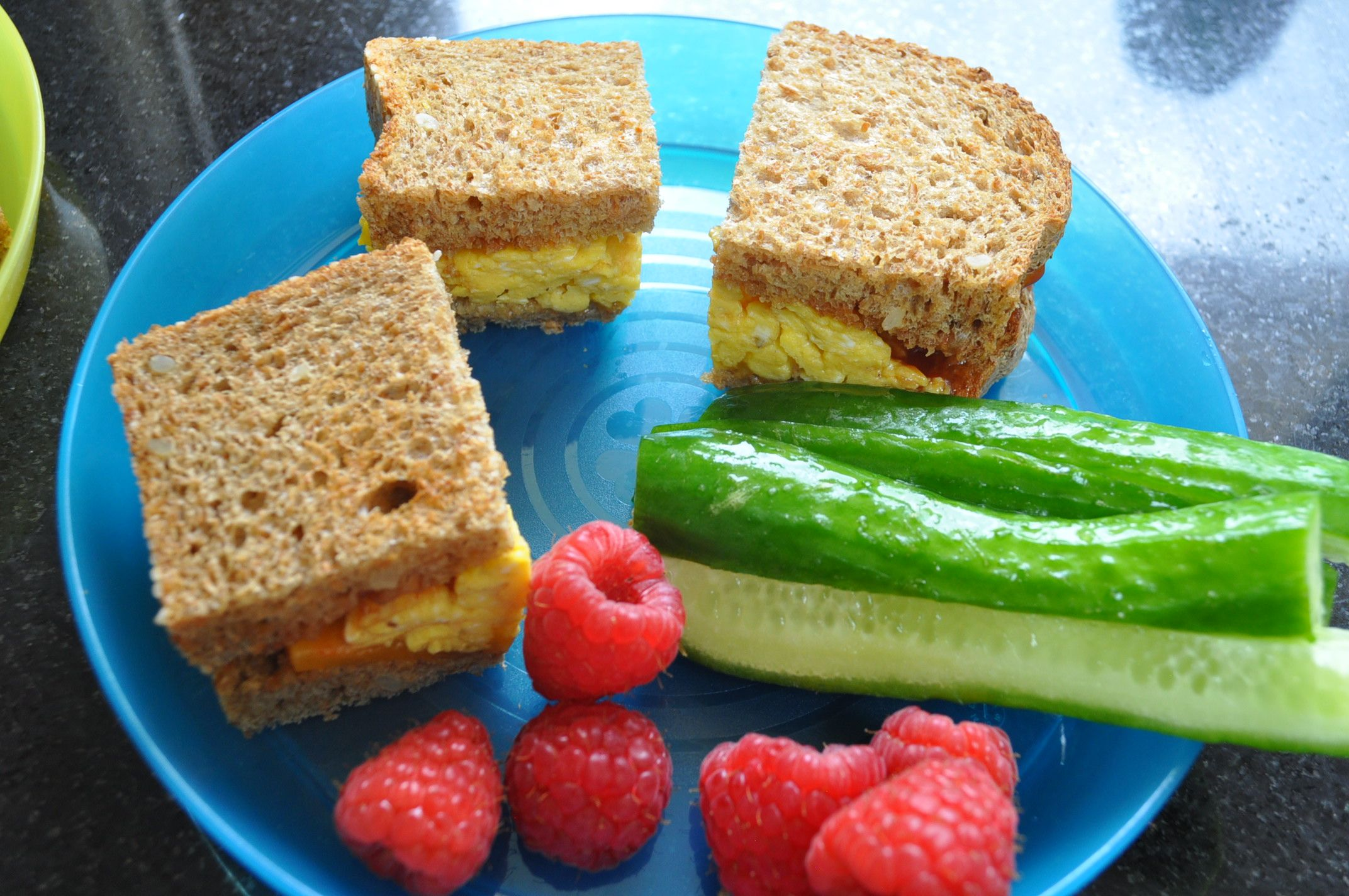 School 39 s out 8 kid friendly easy lunch ideas for Easy lunch ideas for kids at home