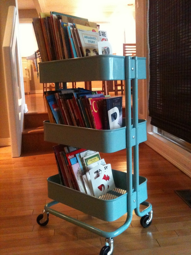 5 unexpected storage solutions for kids 39 books. Black Bedroom Furniture Sets. Home Design Ideas