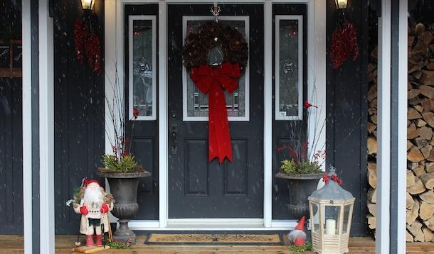 Festive front door ideas for the holidays - Exterior painting temperature minimum ...