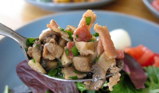 Warm Bacon Mushroom Dressing Recipe