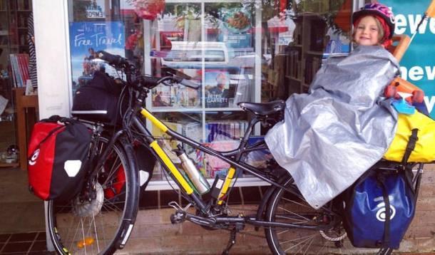 Family embarks on biking adventure | YummyMummyClub.ca
