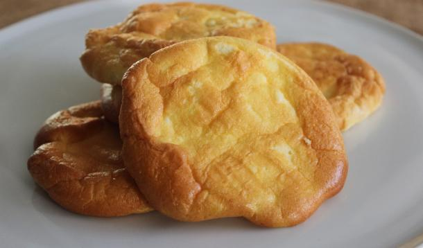 Easy to make cloud bread is fluffy, flavourful and gluten-free