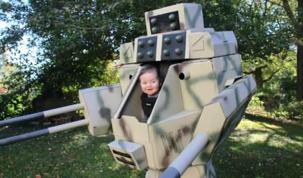 best baby Halloween costume ever  sc 1 st  Yummy Mummy Club & Dad Drops Mic with Best Kids Halloween Costume Ever :: YummyMummyClub.ca