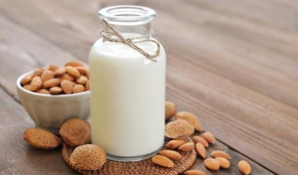 How do dairy alternatives stack up in flavour and nutrition when compared with cow milk? Here's a quick breakdown. | Nutrition | YummyMummyClub.ca