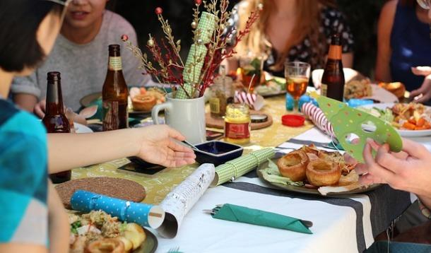 Timing Is Everything when it comes to hosting dinner parties | YummyMummyClub.ca