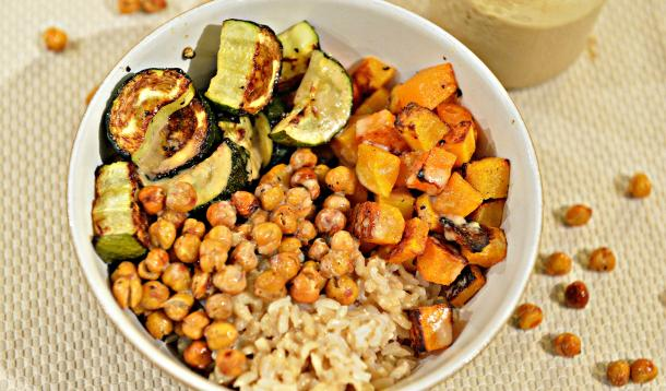 Roasted Squash Zucchini Chickpeas Brown Rice bowl | YummyMummyClub.ca