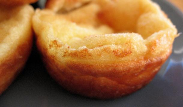 Yorkshire pudding recipe yummymummyclub yorkshire pudding recipe forumfinder Images