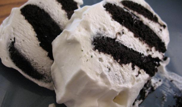 Chocolate wafer cookie whip cream recipe