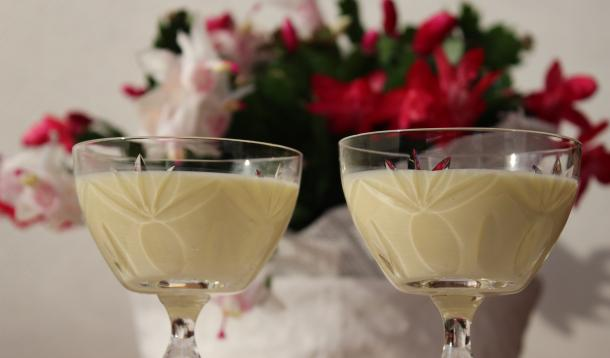 Small-Batch Eggnog: Better than Storebought for your Christmas festivities! | Recipes | YMCFood | YummyMummyClub.ca