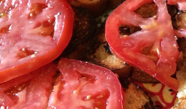 Simple tomato toast