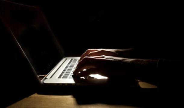 Women trolling online study | YummyMummyClub.ca