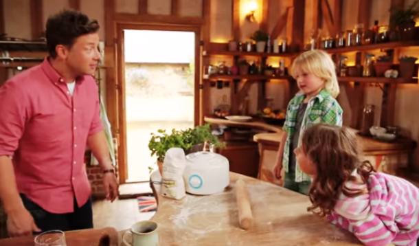 Jamie Oliver and Kids in Kitchen