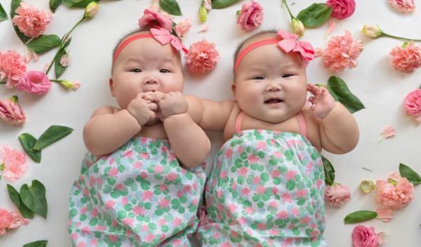 Rare Mom Twins on Instagram | YummyMummyClub.ca