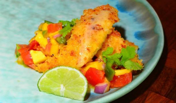 Onion-Encrusted Yellowtail with Mango Salsa - A famous recipe directly from the Florida Keys | YMCFood YummyMummyClub.ca