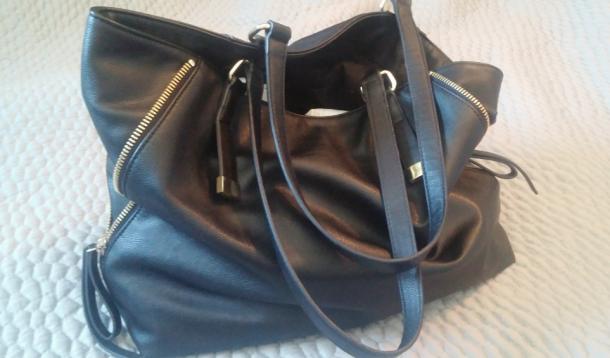 inside a purse, purse, organization, hoarders, trash, motherhood, comedy, mothers, purses, kids, the things we do, inside a purse, inside out, honesty, exposure, jen warman