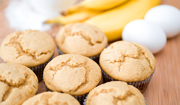 These flourless muffins are a recipe so easy to make you can whip up a fresh batch every morning. And the kids love them too! | Gluten Free | YMC