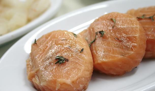 Restaurant Owner charged after serving allergic man fish | YummyMummyClub.ca