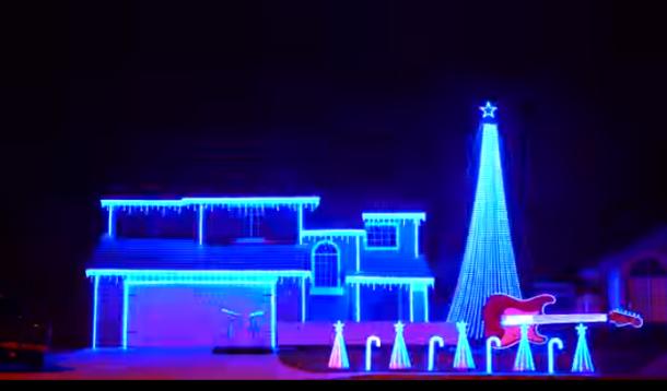 Star Wars Christmas Lights Display | YummyMummyClub.ca