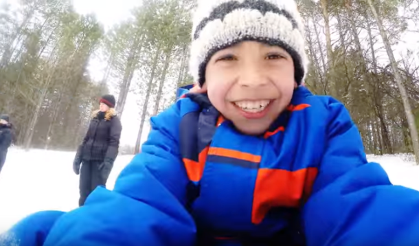 Syrian Children Experience Snow for First Time | YummyMummyClub.ca