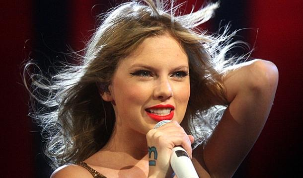 Taylor Swift tells Apple to Pay Up