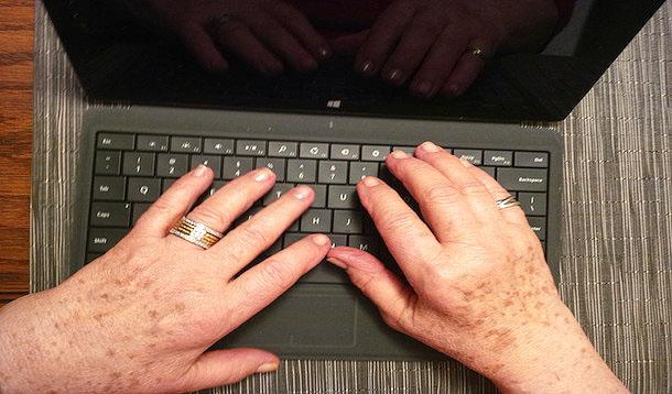 Clever Tips from An Internet Expert: Keeping Seniors Safe Online | YMCTech | YummyMummyClub.ca