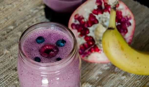 Very Berry Pomegranate Smoothie