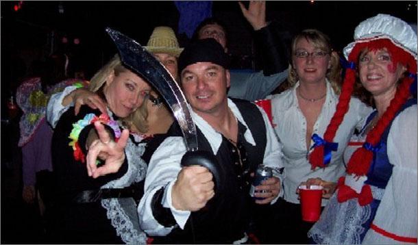 Halloween Party Decor :: YummyMummyClub.ca