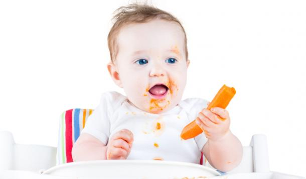 Is feeding a baby rice cereal first based on science or tradition? The truth about what your baby's first food should be might surprise you. | Parenting | YummyMummyClub.ca