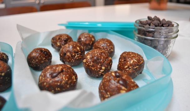 Chocolate Chia Protein Balls Recipe | YummyMummyClub.ca