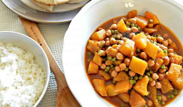 Roasted squash and chickpea curry