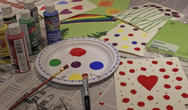 Kids can paint Swedish dishcloths for a much-appreciated gift