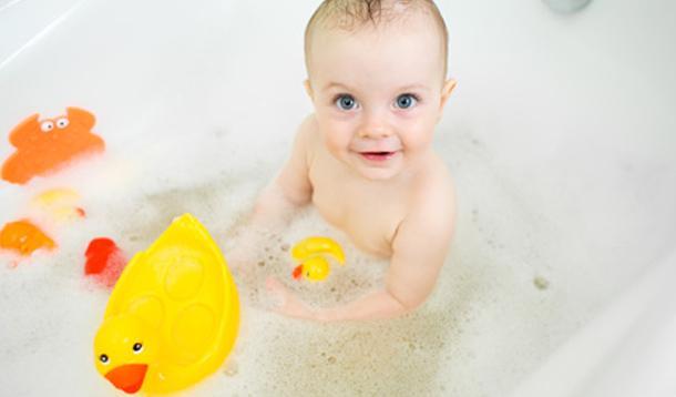 Keep Your Bathroom Dry at Bath Time! :: YummyMummyClub.ca