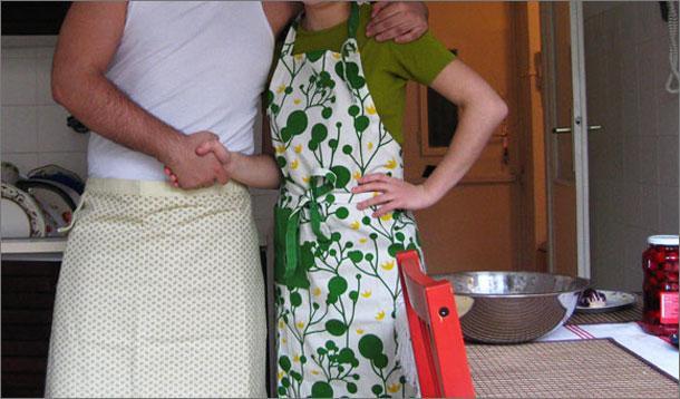 couples sharing chores