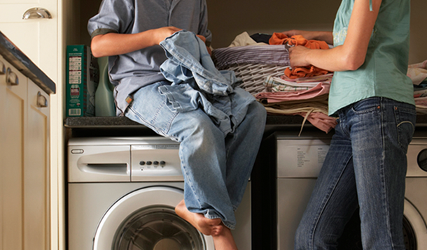 The Step-By-Step Guide to Teaching a Tween to Do Laundry