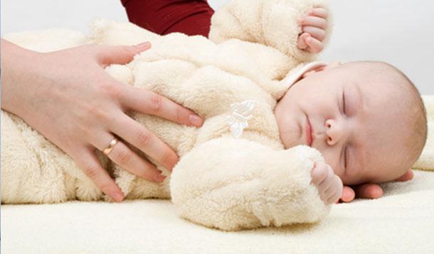 putting baby to sleep