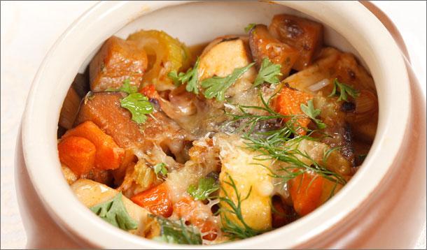 Slow Cooker Chicken Stew Recipe :: YummyMummyClub.ca
