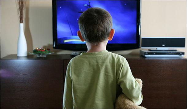 child watching tv