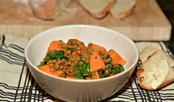lentil_stew_with_sweet_potatoes_and_spinach_and_crusty_bread