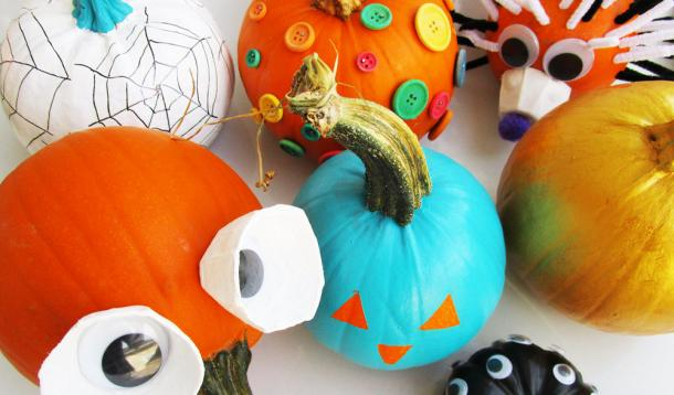 Who says you have to cut a pumpkin? We have 31 Ways to Not Carve a Pumpkin This Halloween. Let the kids do all the decoration, and don't worry about them handling dangerous knives!   kid-friendly   DIY   YummyMummyClub.ca