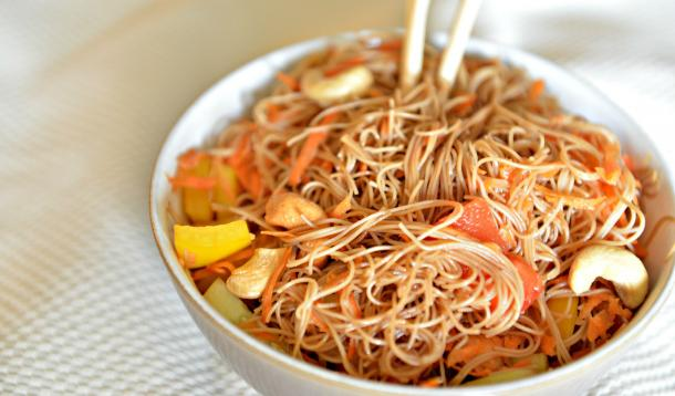 noodle salad, lunches for grownups