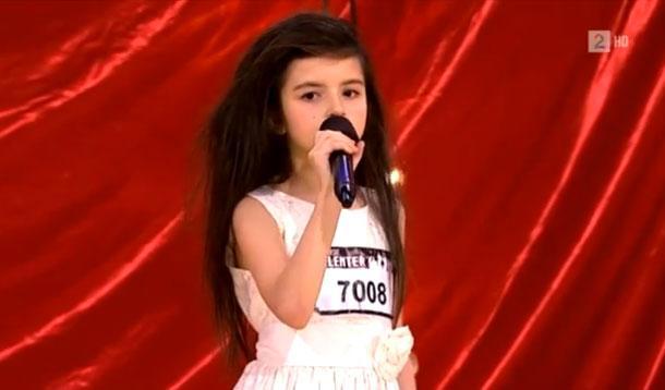 norweigen girl singing