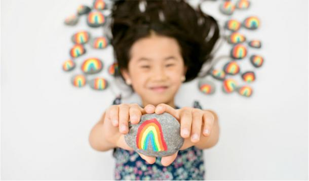 7 Year-OldAlia, founder of theRainbow Rock Project,is spreading happiness with rainbow-painted rocks around the world. Proceeds are going toThe Bay Area Rescue Mission| News | YummyMummyClub.ca