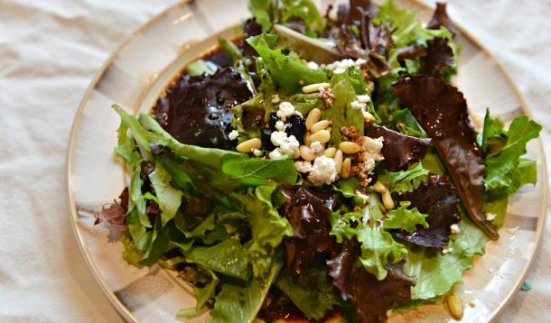 side_salad_with_nuts_berries_goat_cheese