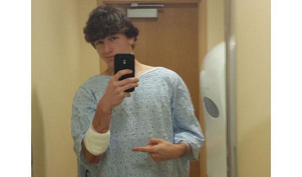 stabbing victim selfie