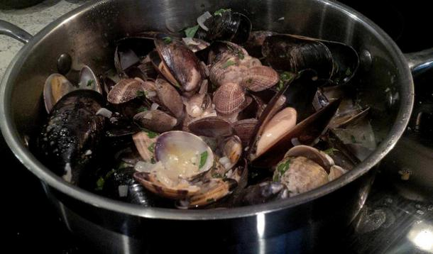Steamed Clams and Mussels With Garlic Butter Recipe