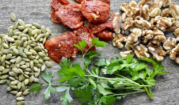 This 20 minute no-cook sundried tomato pesto is a riff on a traditional pesto. Made with a base of sundried tomatoes and parsley, it is super easy to throw together and jam packed with flavour.| YMCfood | YummyMummyClub.ca