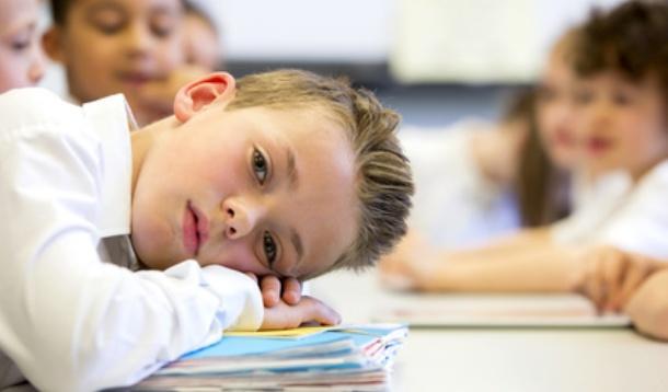 Ilustrasi anak kelelahan di sekolah