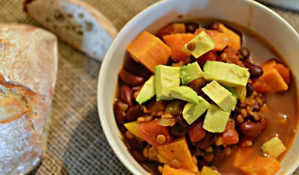 Vegan Chili with Lentils | Food | YummyMummyClub.ca